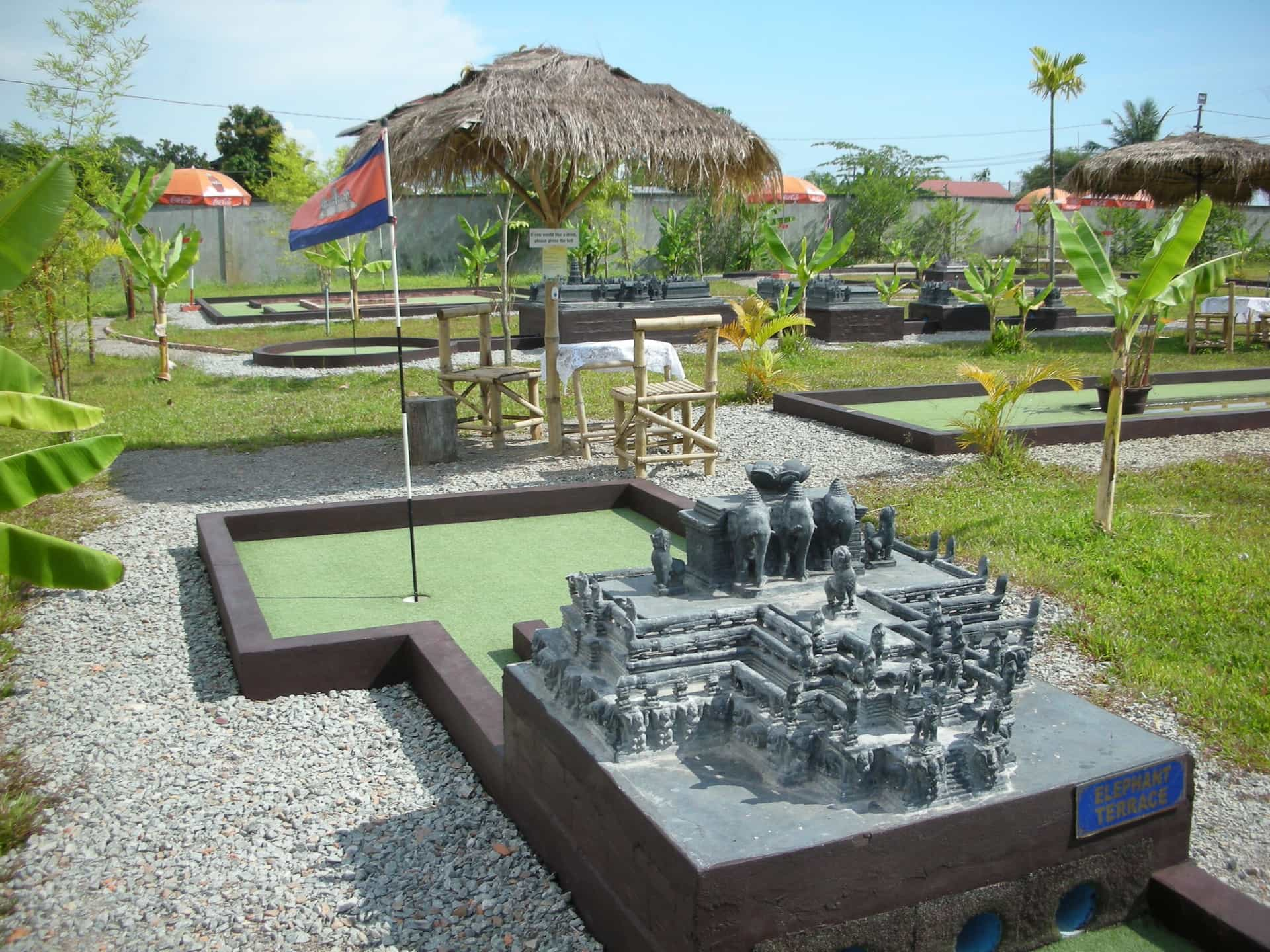 Angkor wat putt minitature golf course siem reap mad monkey hostels for Garden city mini golf
