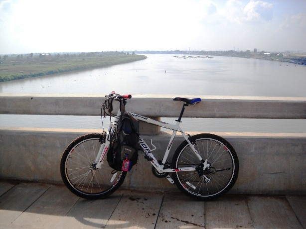 Cycling in Phnom Penh
