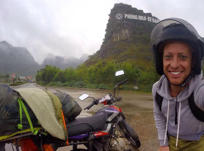 Motorbiking Around Vietnam - ( A BACKPACKERS GUIDE 2016)