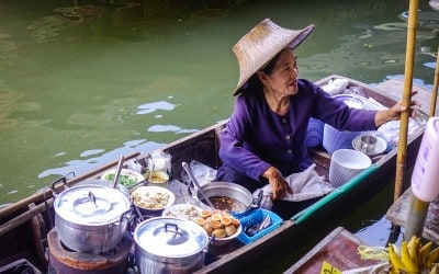 Thai Phrases You Need To Know If You're Visiting Thailand