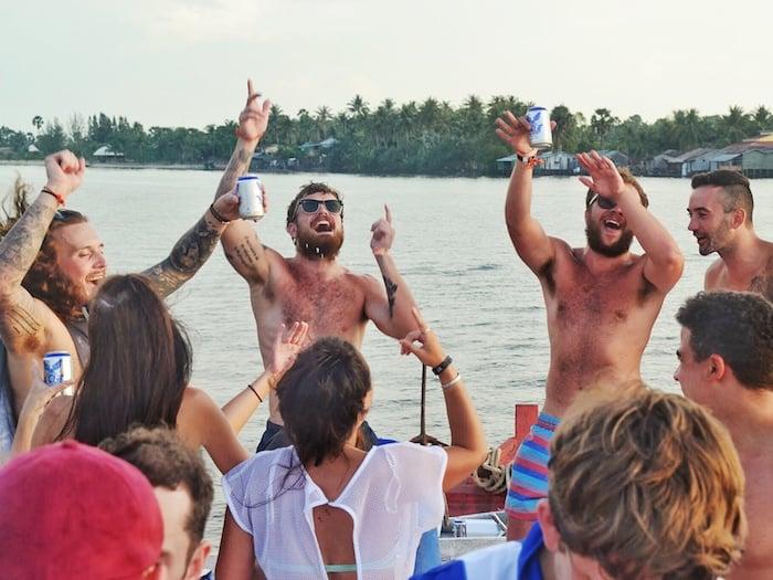 Kampot River Cruise dancing