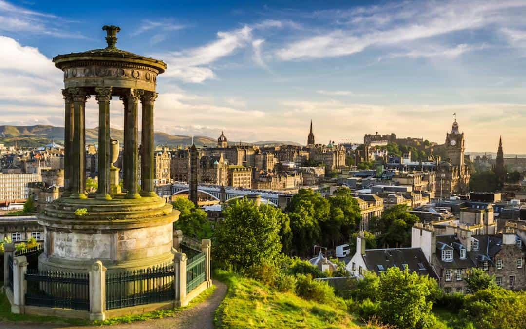 A Backpacker's Guide to Edinburgh, Scotland