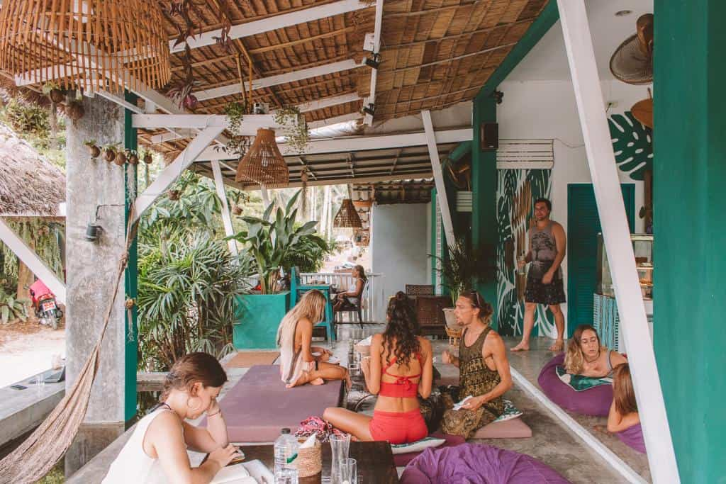 Vegan Koh Phangan: Indulge at Healthy, Vegetarian-Friendly Restaurants in Town
